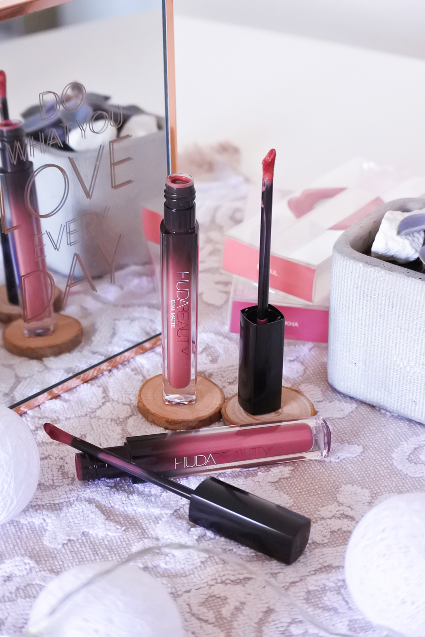 https://www.awin1.com/cread.php?awinmid=6964&awinaffid=328171&clickref=&p=https%3A%2F%2Fwww.sephora.fr%2Fp%2Fdemi-matte---rouge-a-levres-P3432012.html
