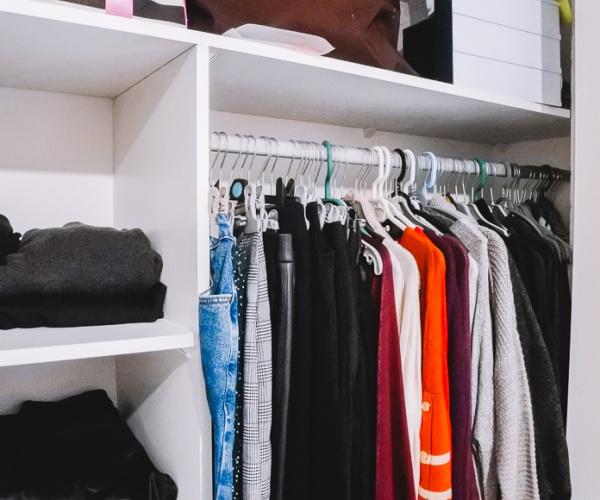 Dressing tour • Comment j'organise mon rangement vêtements