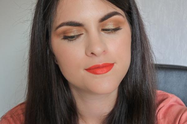 Tutoriel • Maquillage de soirée fumé pailleté