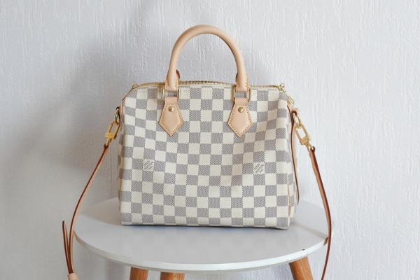 Zoom sur le sac Speedy 25 Bandoulière de Louis Vuitton (comparaison avec le Speedy 30)