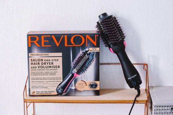 Zoom sur le sèche-cheveux volumisant Revlon
